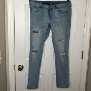 Divided by H&M distressed Jeans